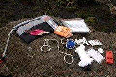 Bear Grylls Ultimate survival kit anmeldelse test