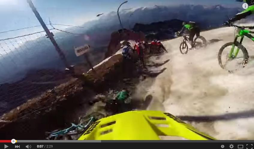 Video: MTB på gletsjer - av for den det er hårdt ved rytter og grej